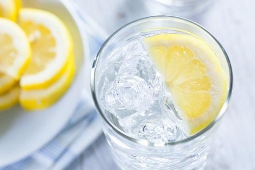 Beneficii ale apei cu lamaie