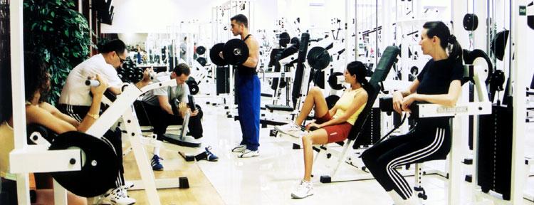 Fetele la fitness